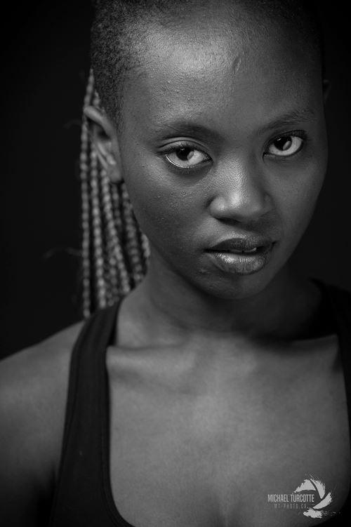 Photo-portrait-Axelle-Munezero-3.jpg