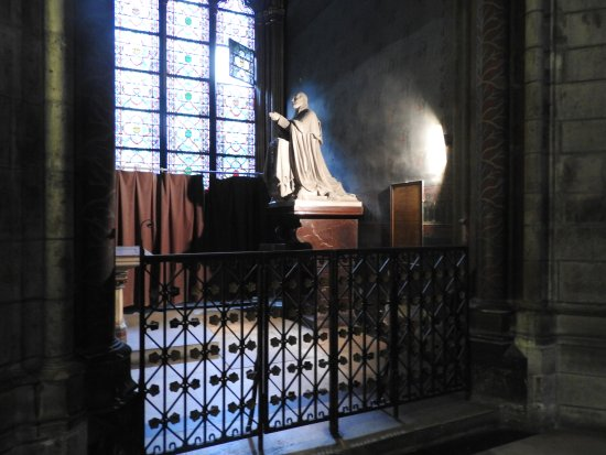small chapel inside Cathedral of Notre Dome