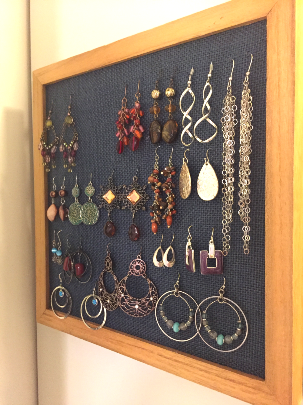 DIY_organizer_for_earrings