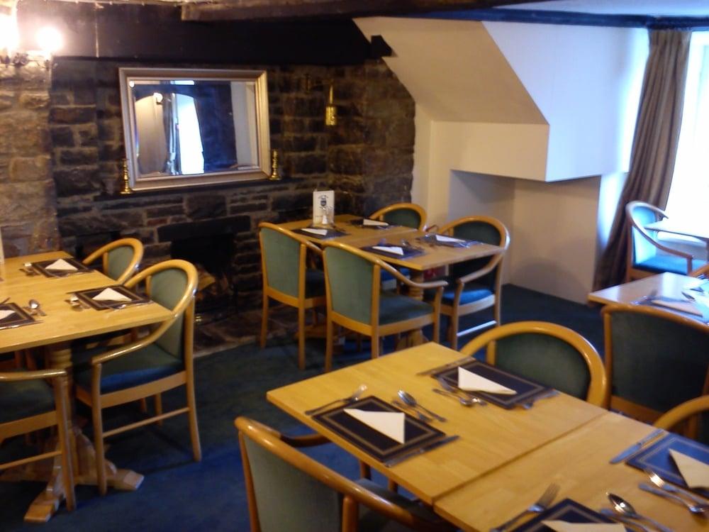 Dining Room 001.jpg