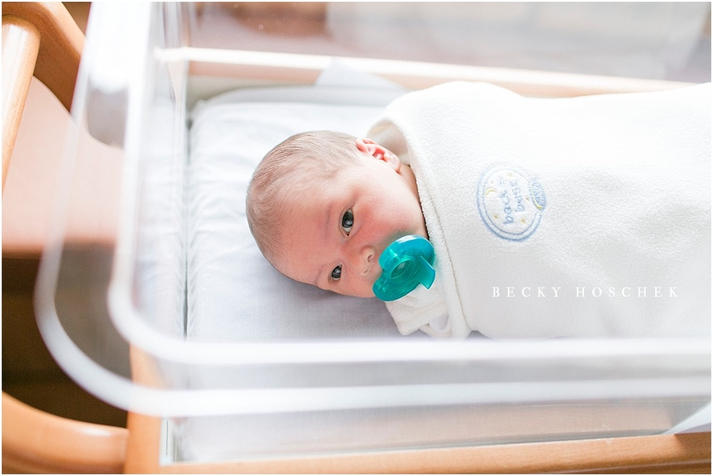 BLOOMINGTON NORMAL PEORIA ILLINOIS NEWBORN PHOTOGRAPHER FRESH 48 HOSPITAL SESSION BECKY HOSCHEK