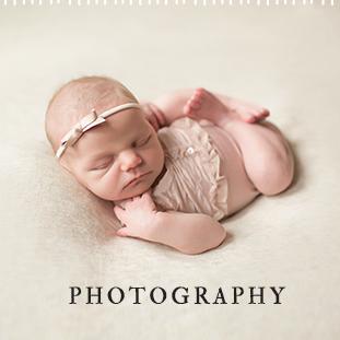 Becky hoschek photography newborn photographer bloomington peoria illinois