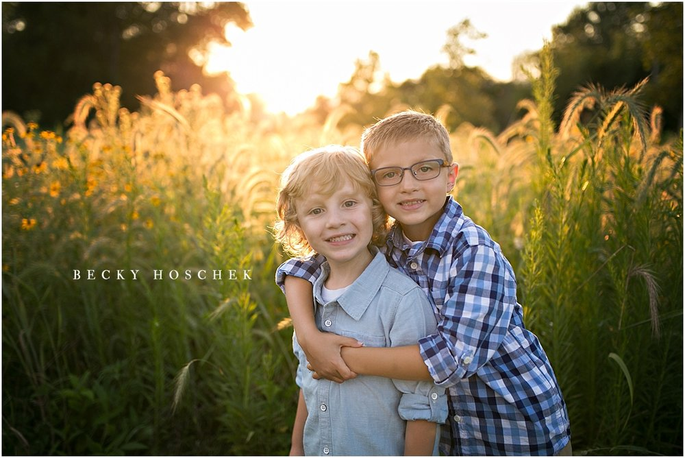 Bloomington IL family photographer sunset session brothers siblings