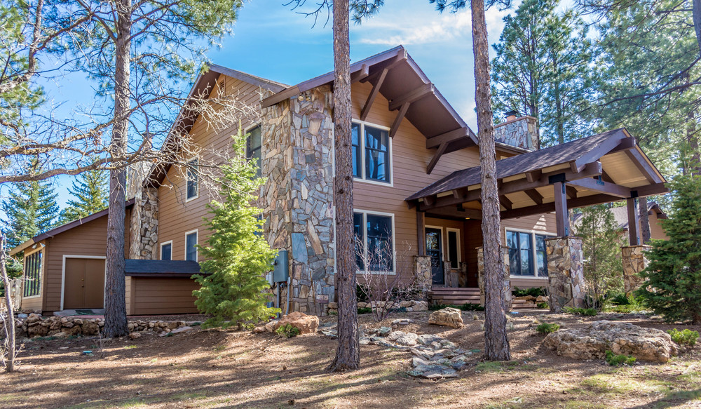Outside shot of completed custom home near Flagstaff, Arizona.