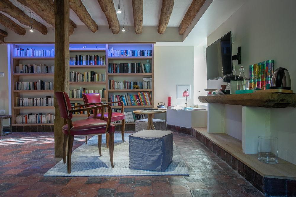 Copy of La Barbotière, la bibliothèque avec son coin café/thé/infusions