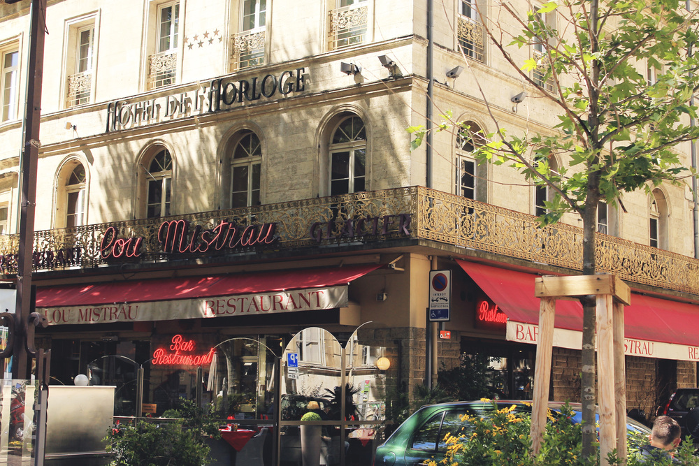 avignon france spring lou mistrau restaurant