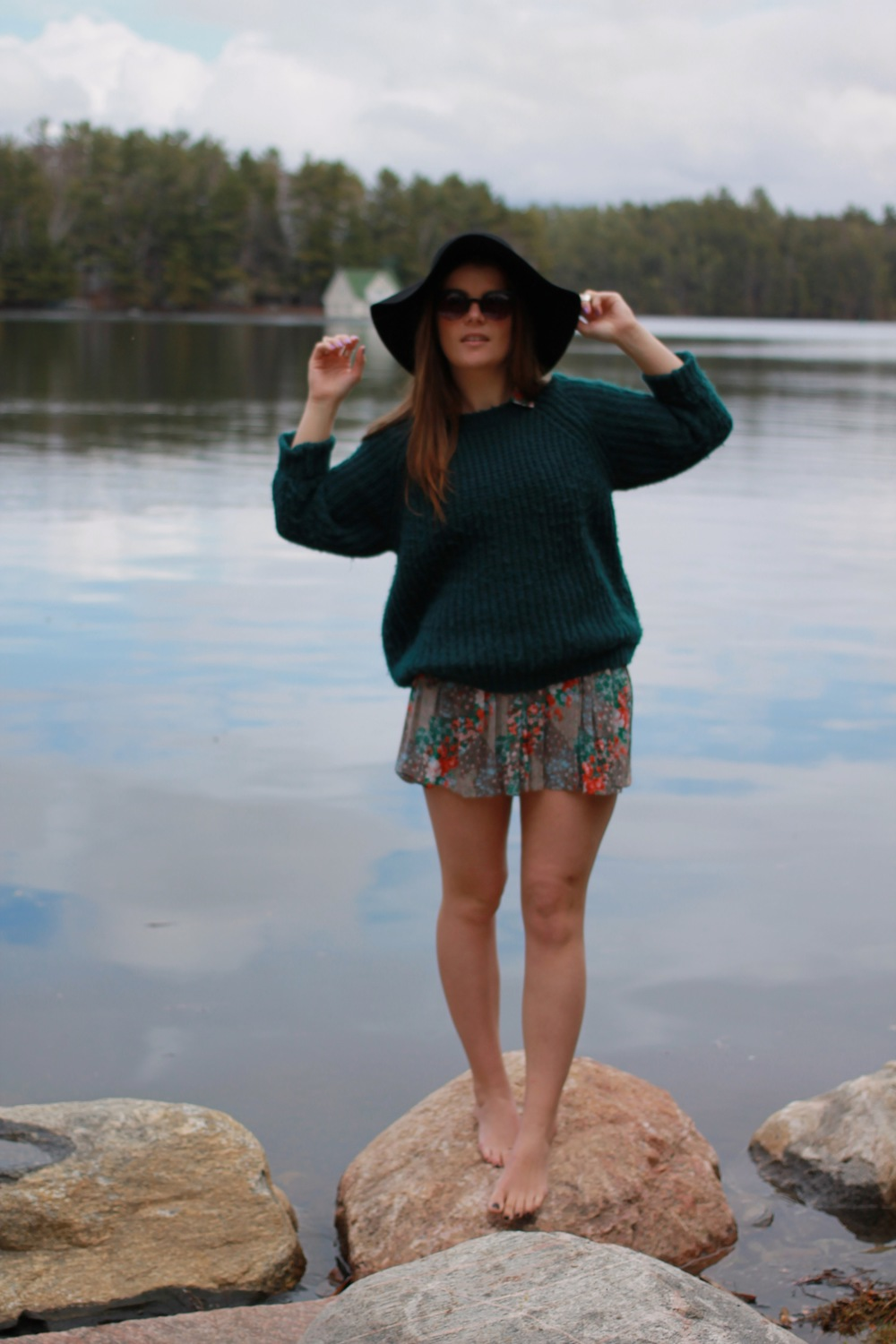 forever21 sunglasses wool knit sweater floral skirt