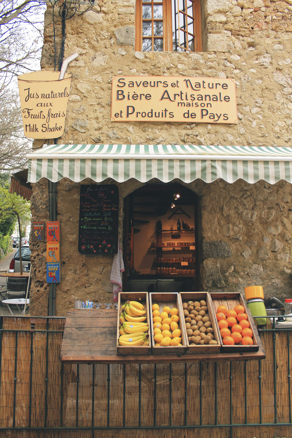 juice stand france shop fruit
