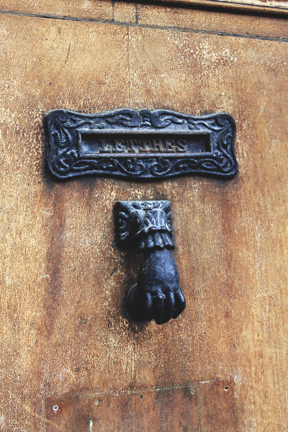 lettres door france knocker hand brass
