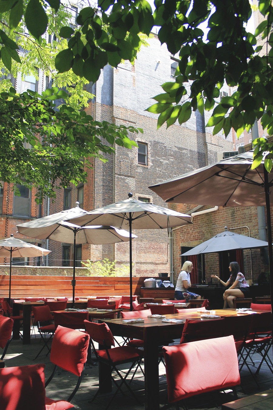 pure food and wine new york raw restaurant courtyard patio summer