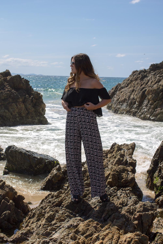 high-waist-wide-leg-pattern-pants
