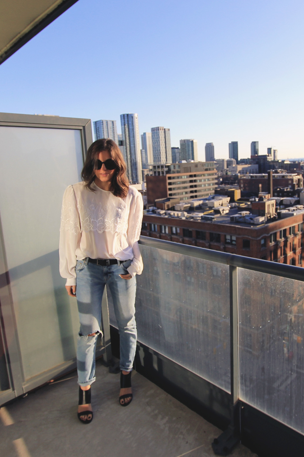 toronto-style-blogger-lightwash-denim-white-lace-blouse-black-block-sandal-heels.jpg