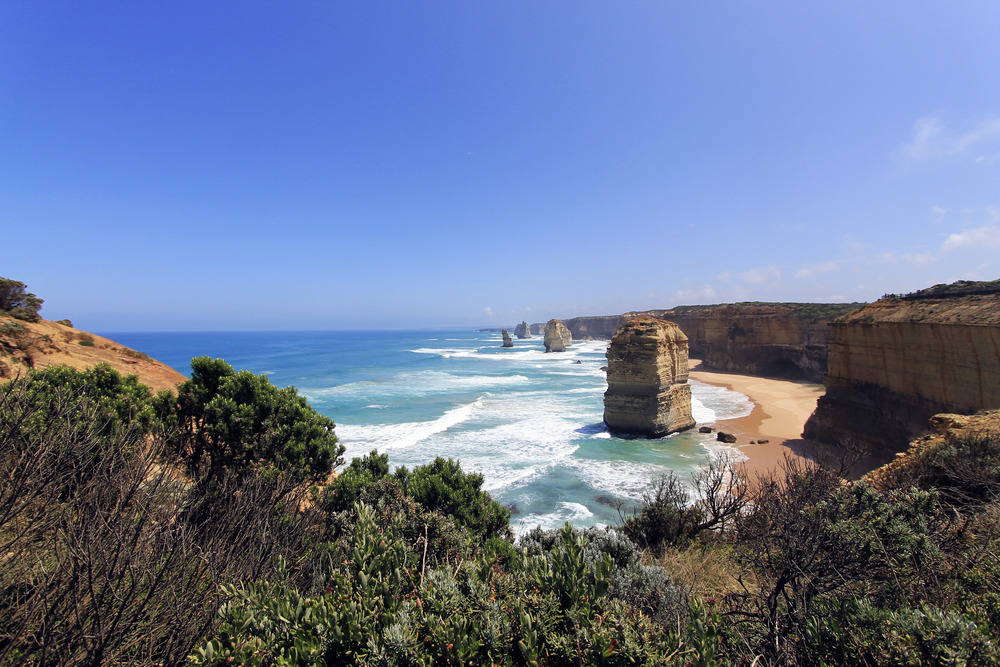 twelve-apostles-port-campbell-national-park-australia-november-2015.jpg