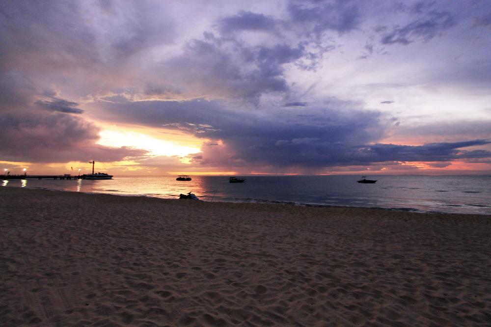 beach-sunset-queensland-australia-moreton-island-tangalooma.jpg