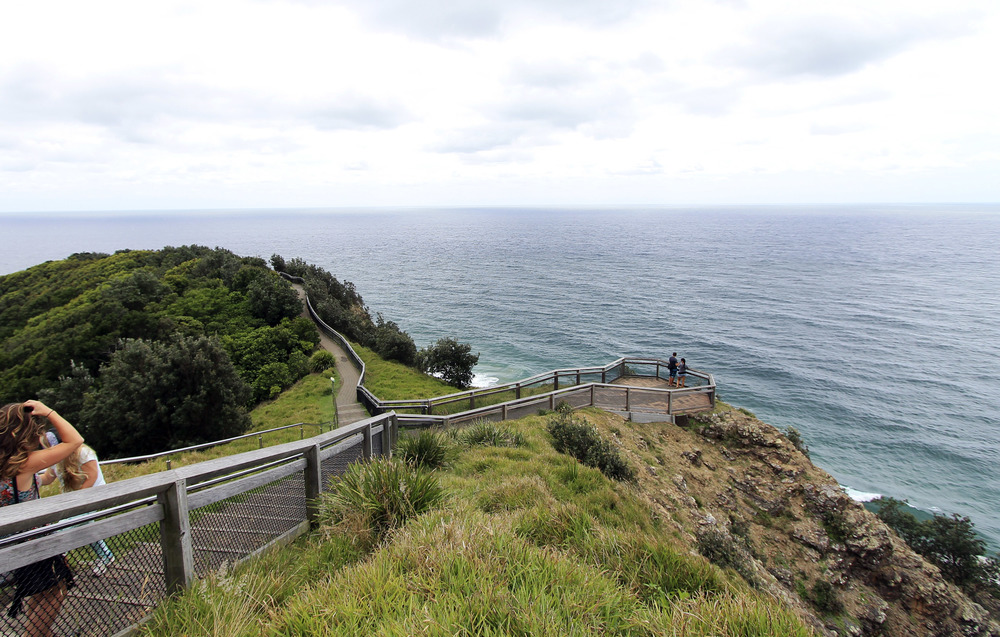 lighthouse-hike-byron-bay-spring-ocean-new-south-wales.jpg