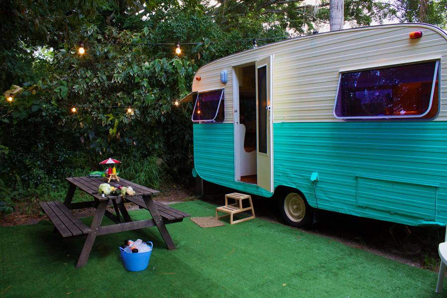 airbnb-winnie-cooper-1970-van-byron-bay.jpg
