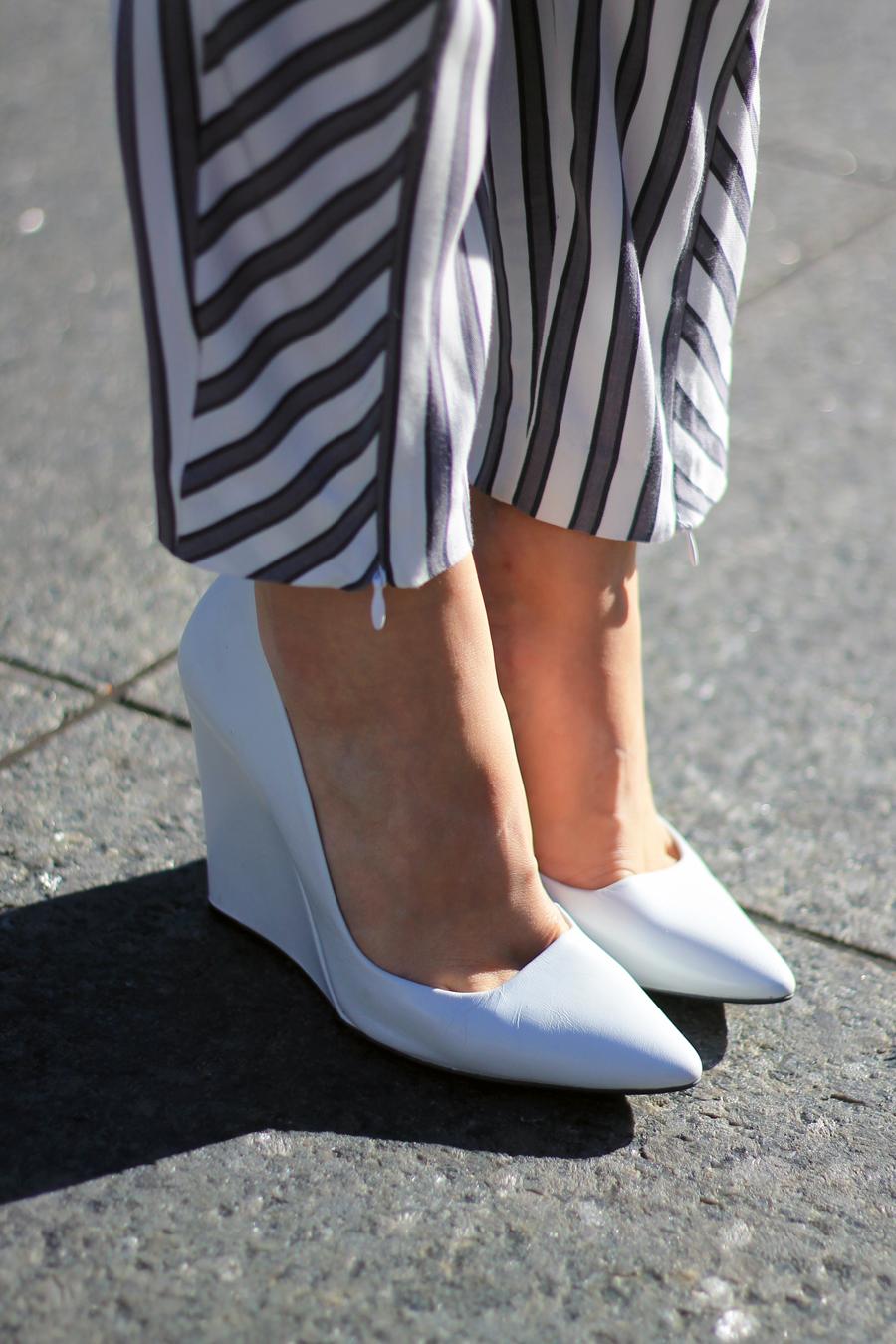 court heels white