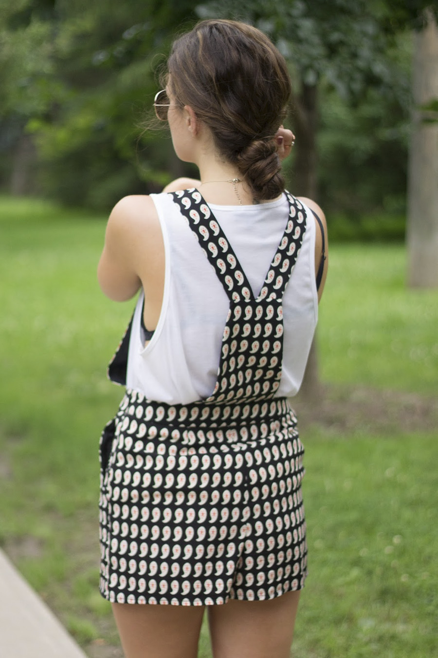 outfit style black and white