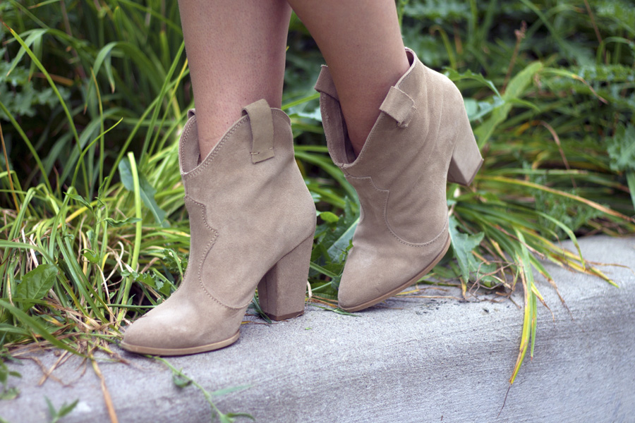 boots cowboy stirrup heeled