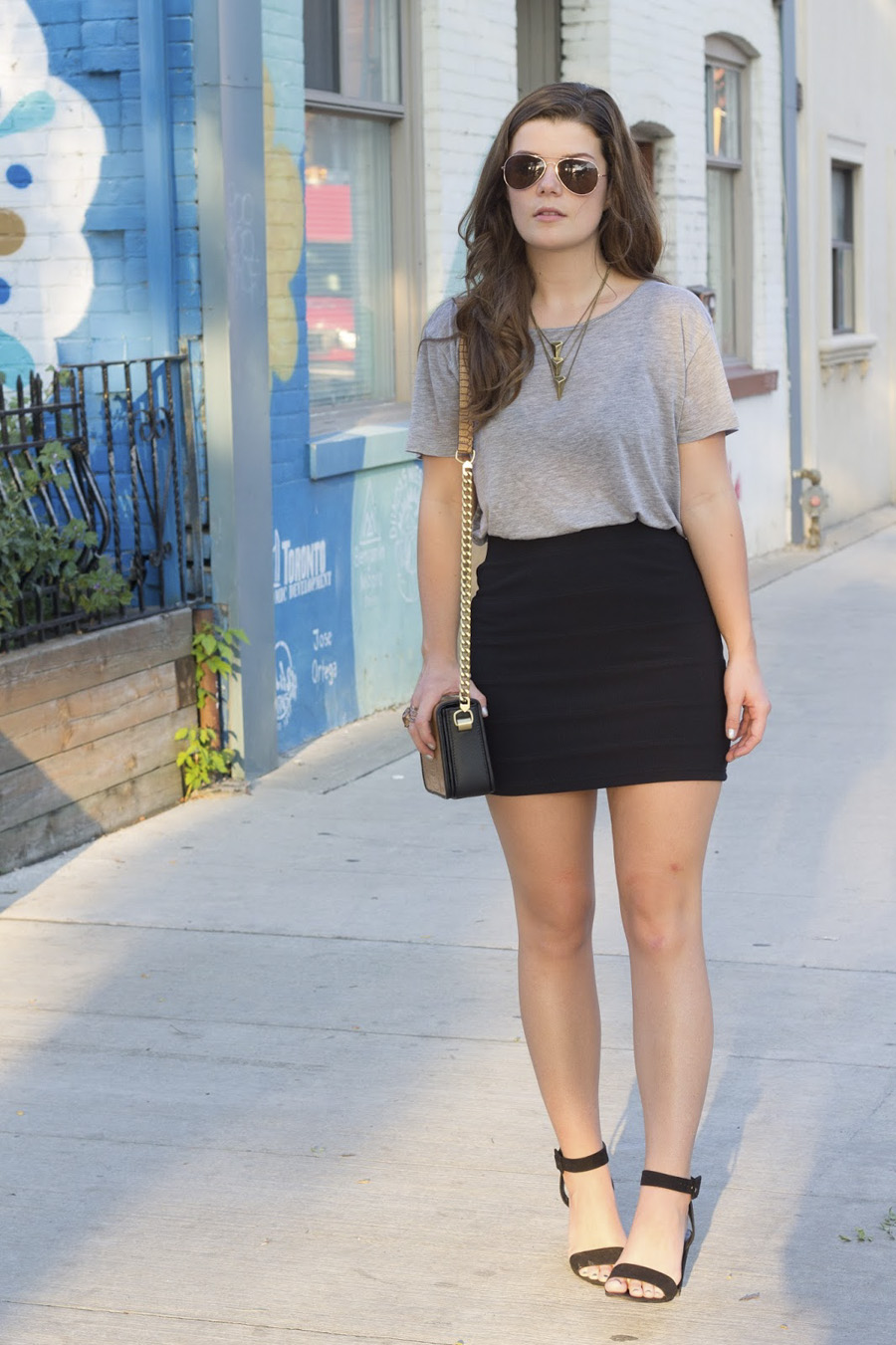 miniskirt grey tshirt outfit