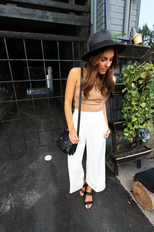 toronto fashion blogger style outfit kensington market.jpg