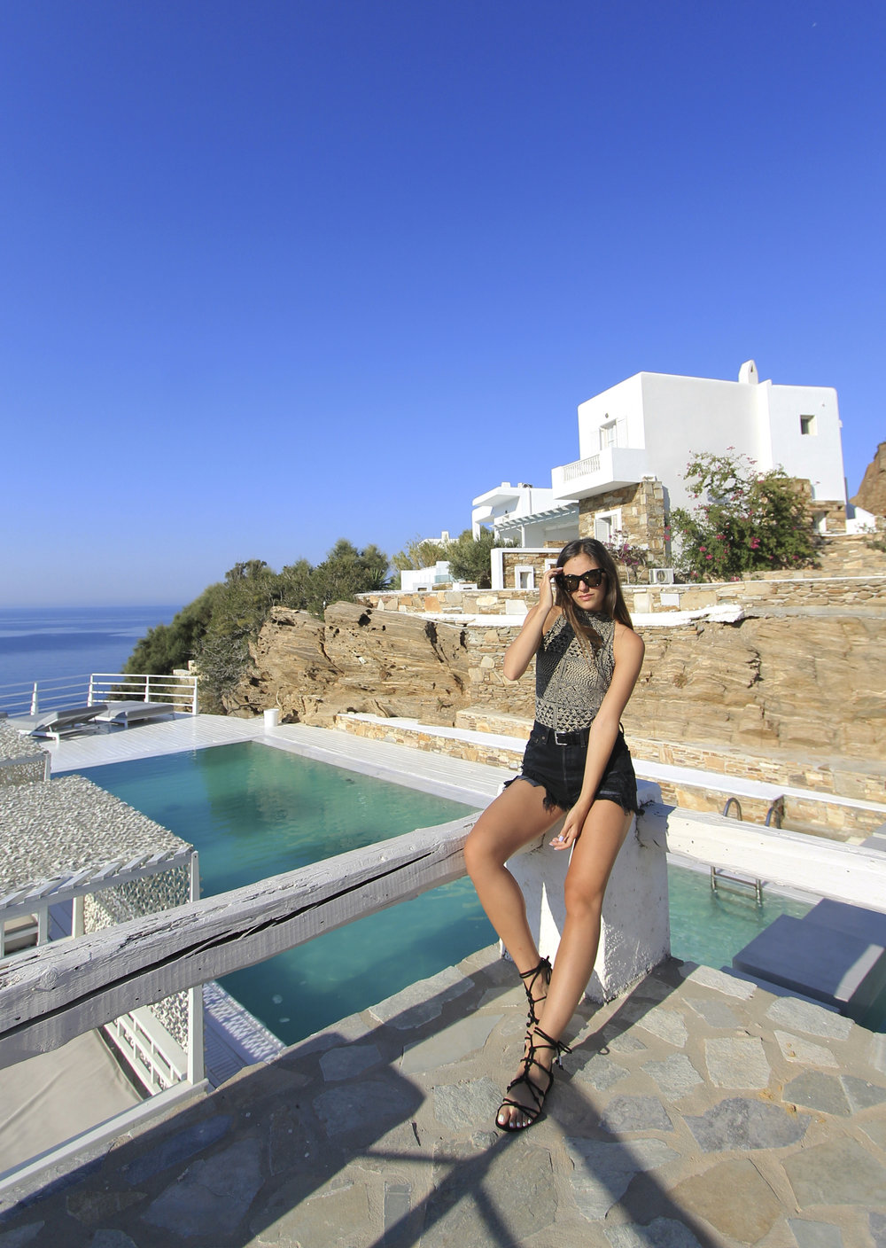 ios greece island beach pool style outfit blogger vintage.jpg