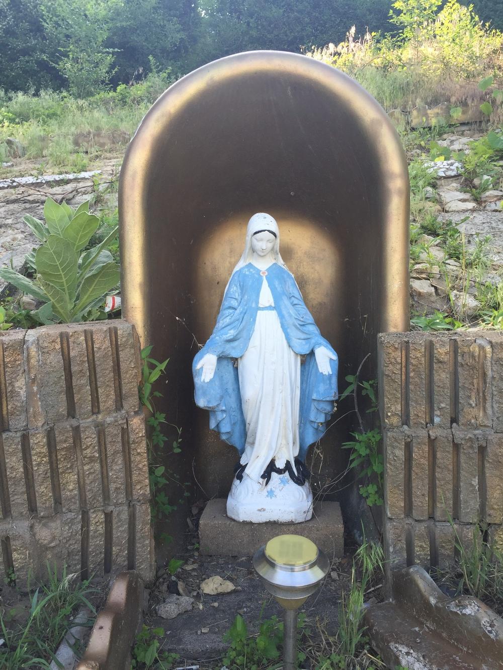 Bathtub Mary grotto on High Bluff st
