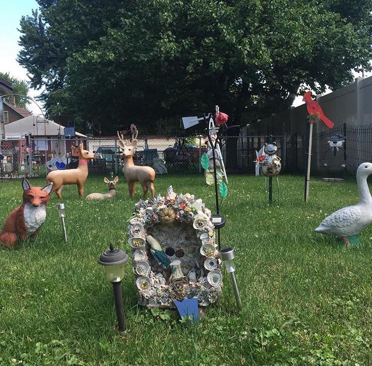 Providence St yard display