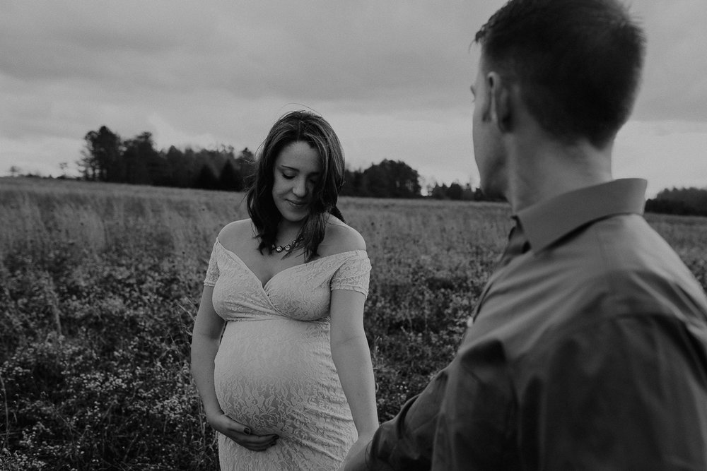maternity-photographer-greensburg-pennsylvania-5831.jpg