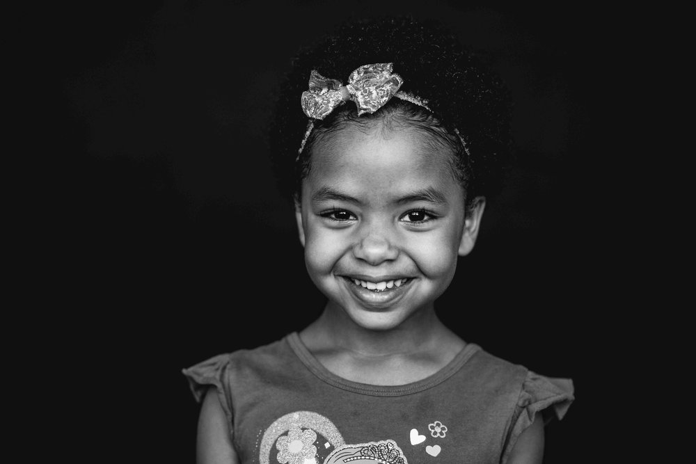 20180913_7611-- color--5day--preK--4yr----18----BLACK AND WHITE--325snowflake-pittsburgh-boutique-school-photography.jpg