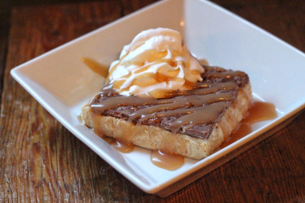 Skor Square  – Skor, milk, chocolate, buttered crackers