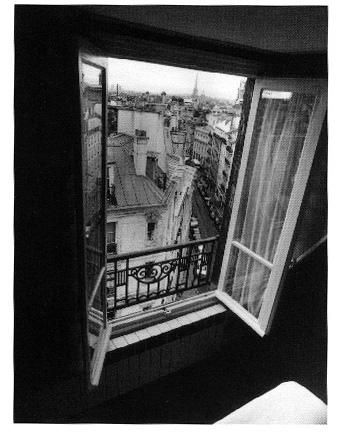 华黎在耶鲁的《空间奥德赛》作业之一:内与外的思考。左:室内,右:室外