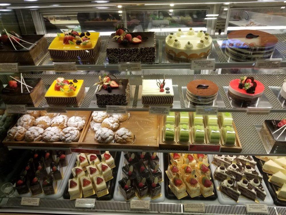 pastries-in-Singapore-market-1024x768.jpg