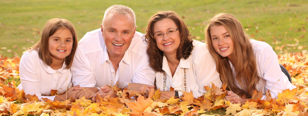 fall family pictures Professional outdoor photographers Oregon.jpg