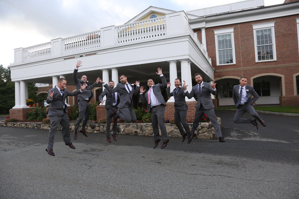 Fun guys pictures at a wedding