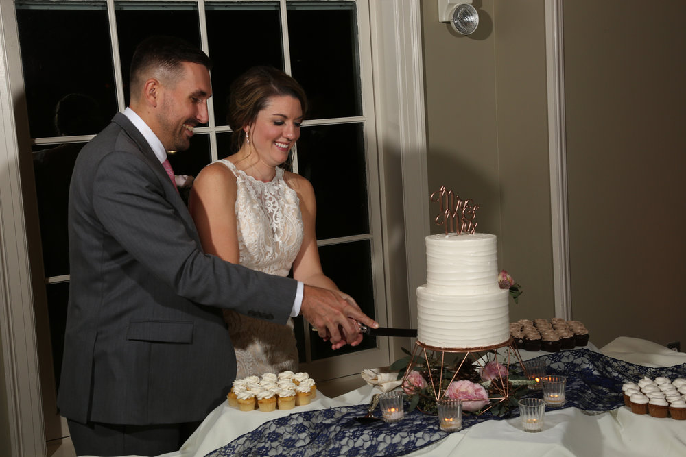Cake cutting at a wedding tradition