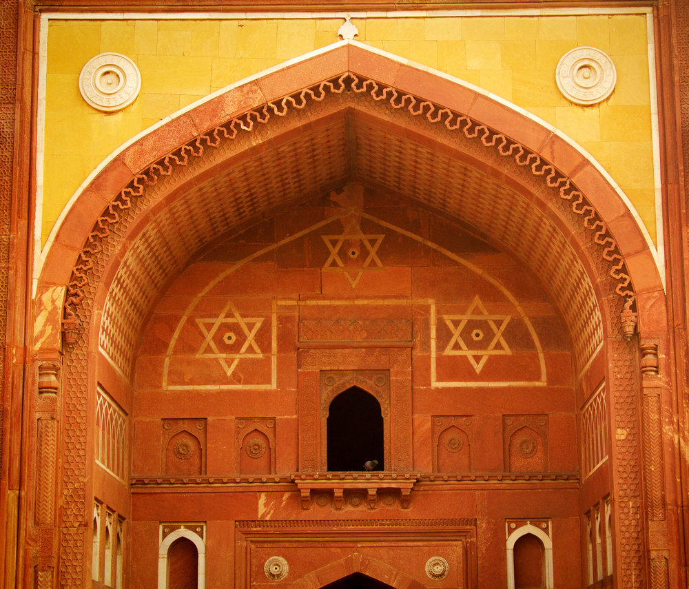 Agra Fort note Jewish symbols and design At the time Muslims (moose-lems) were very tolerant towards Christians and Jews.