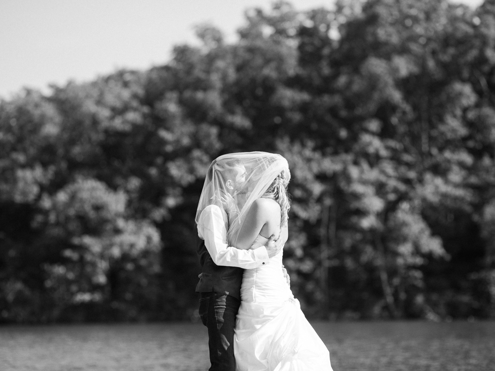 Romantic Rustic Wedding by Cleveland Wedding Photographer Matt Erickson Photography