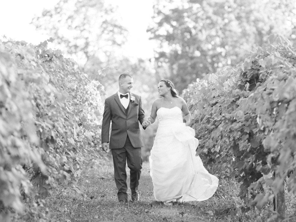 Relaxed Akron Wedding by Cleveland Wedding Photographer Matt Erickson Photography