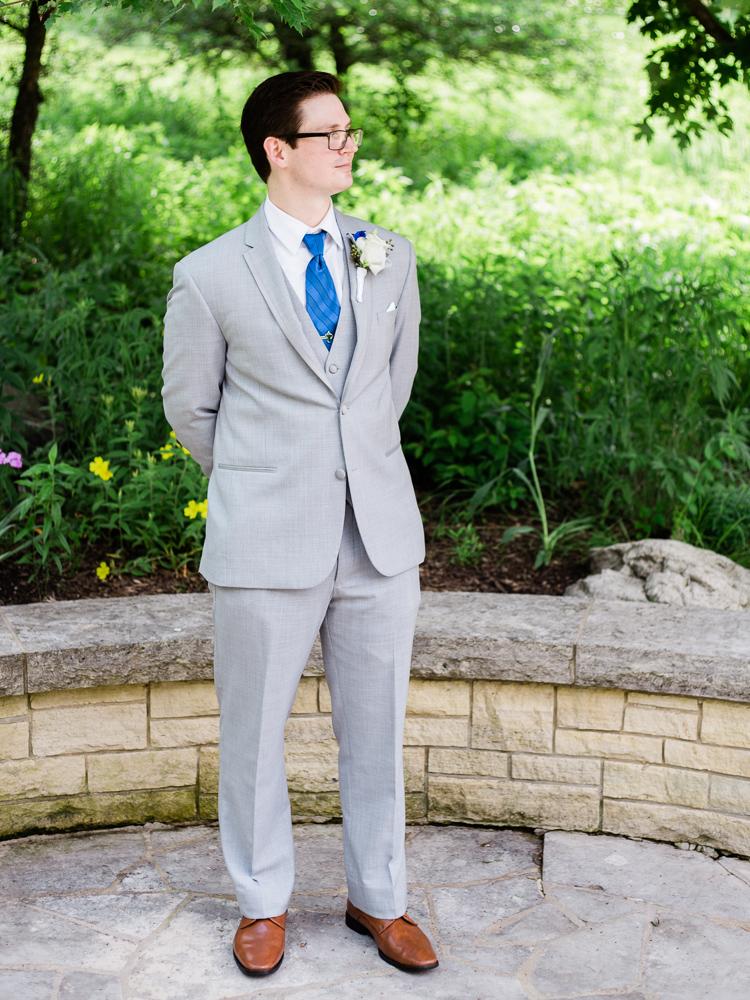 matt-erickson-photography-chicago-garden--independence-grove-wedding-photos-4.jpg