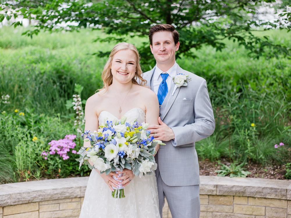 matt-erickson-photography-chicago-garden--independence-grove-wedding-photos-9.jpg