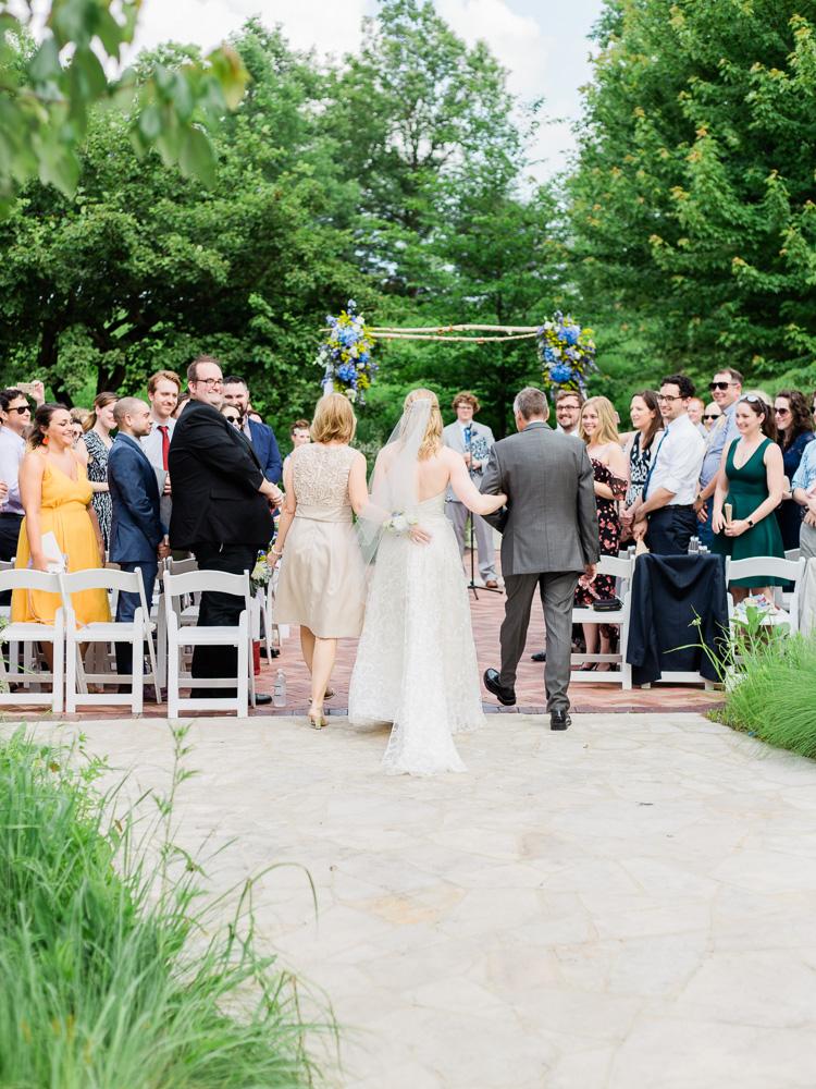 matt-erickson-photography-chicago-garden-independence-grove-wedding-photos-19.jpg