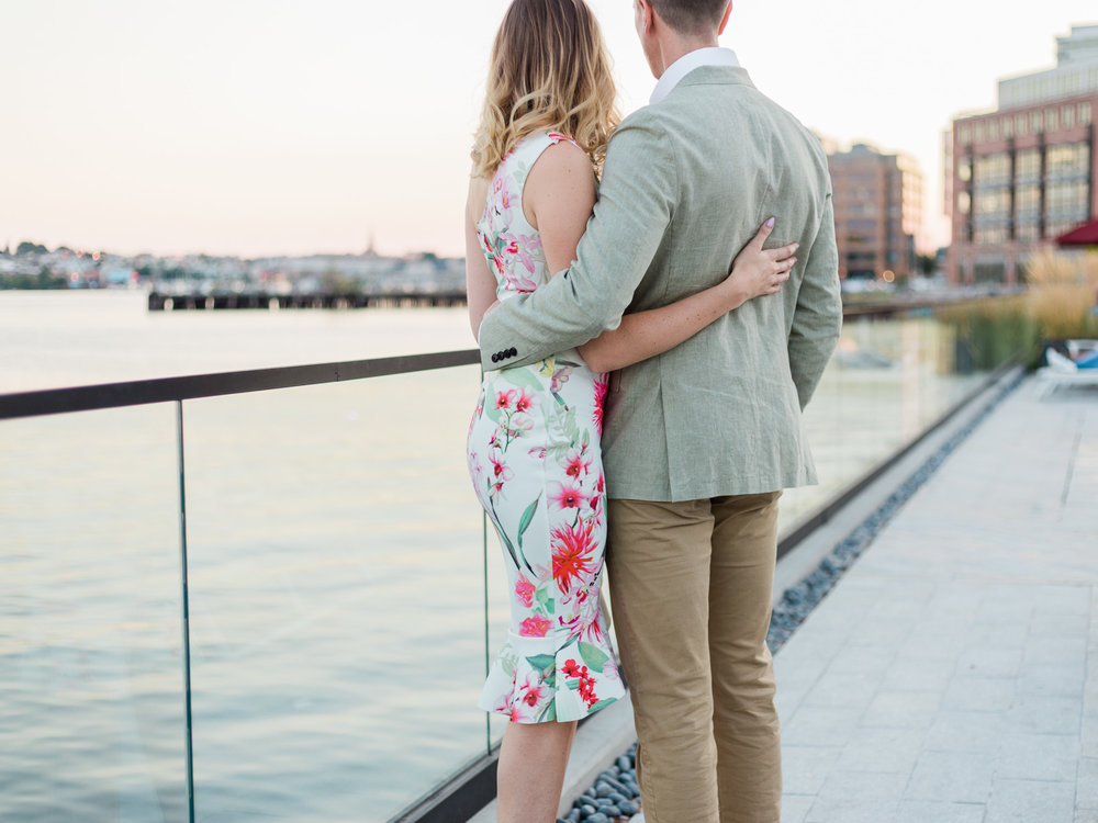 baltimore-harbor-engagement-photos-by-matt-erickson-photography-2.jpg