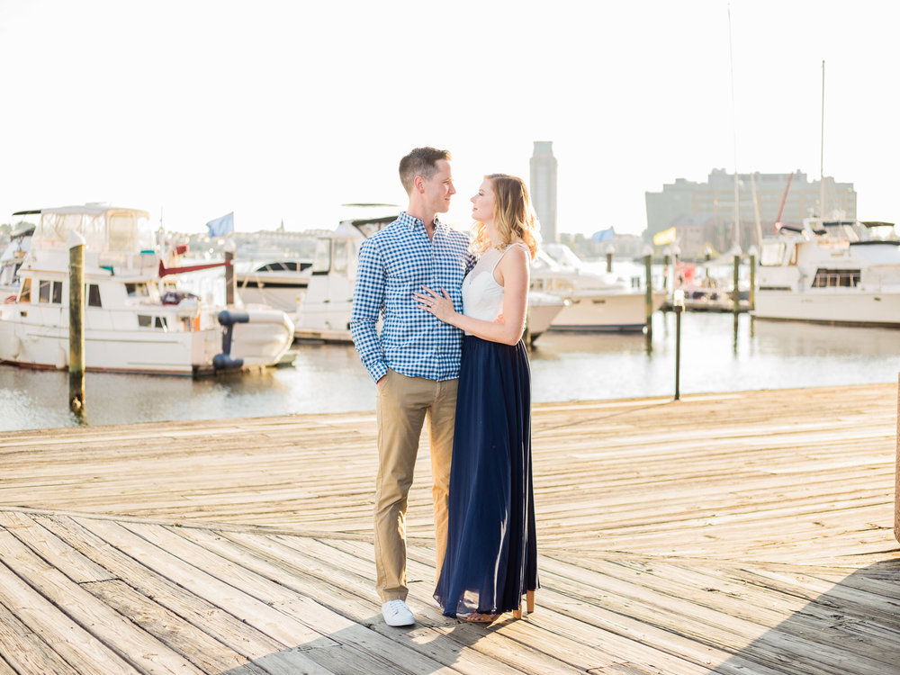 baltimore-harbor-engagement-photos-by-matt-erickson-photography-5.jpg