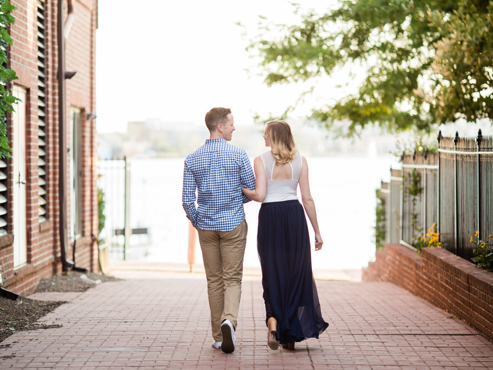 baltimore-harbor-engagement-photos-by-matt-erickson-photography-11.jpg