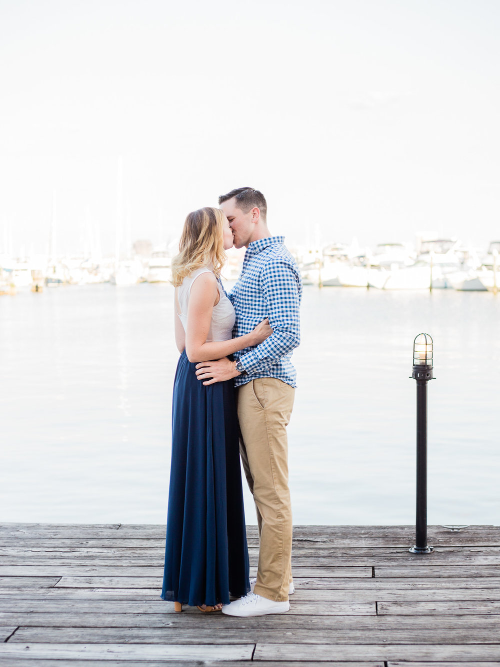 baltimore-harbor-engagement-photos-by-matt-erickson-photography-6.jpg