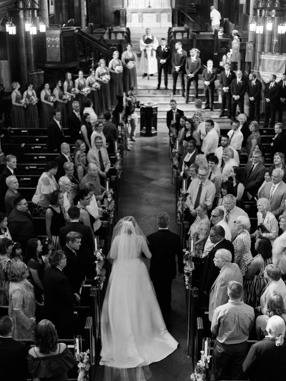 vibrant-tangier-akron-wedding-photos-by-matt-erickson-photography-8.jpg