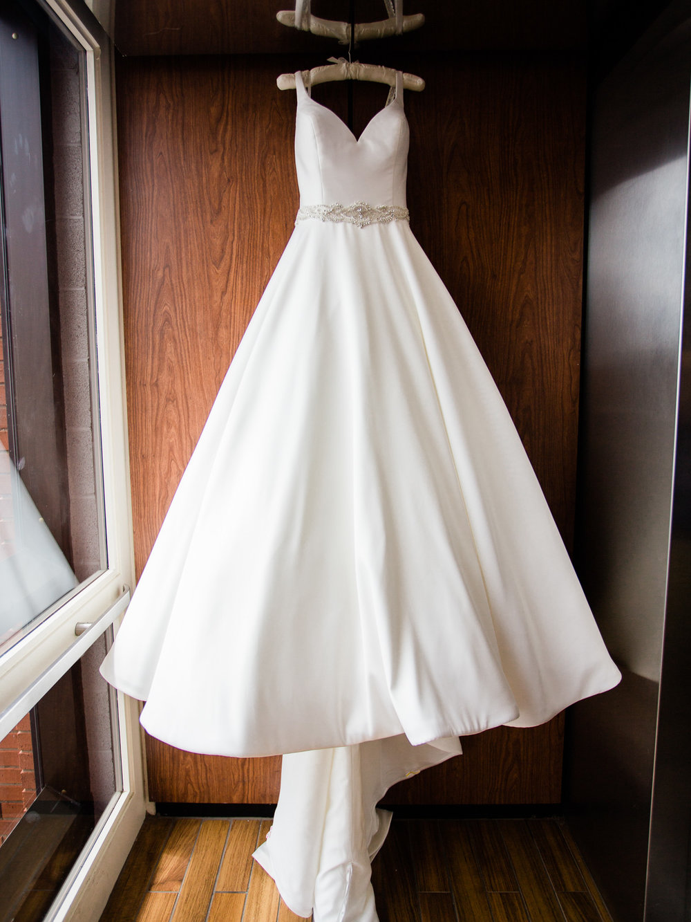 vibrant-tangier-akron-wedding-photos-by-matt-erickson-photography-3.jpg