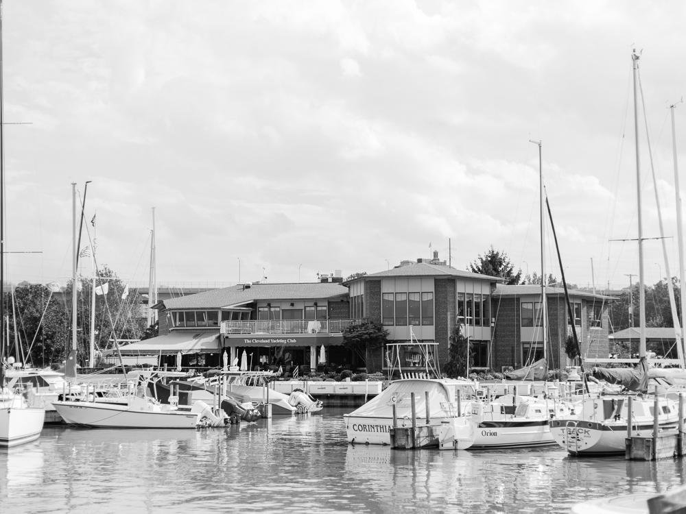 cleveland-yacht-club-wedding-photos-by-matt-erickson-photography-6.jpg