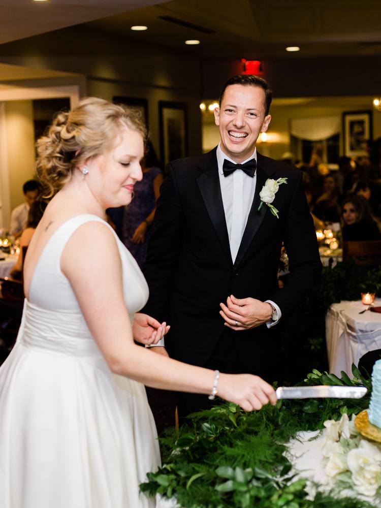 cleveland-yacht-club-wedding-photos-by-matt-erickson-photography-15.jpg